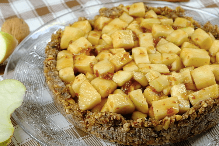 Диетический яблочный пирог без муки, масла и яиц