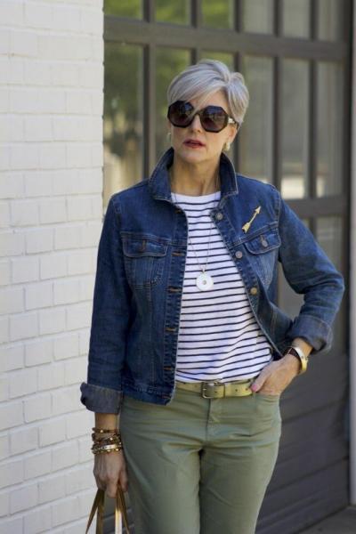 Джинсовые куртки для женщин 50 лет. Современные и красивые образы