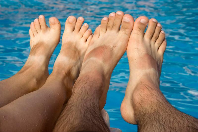Как быстро избавиться от потливости и грибка ног
