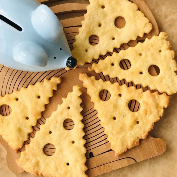 Кусочек мышкиного сыра. Позабавьте деток интересным печеньем.