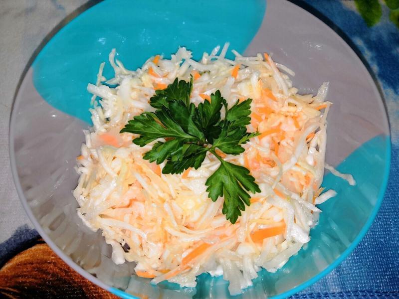 Легкий ужин перед сном - диетический салат из капусты