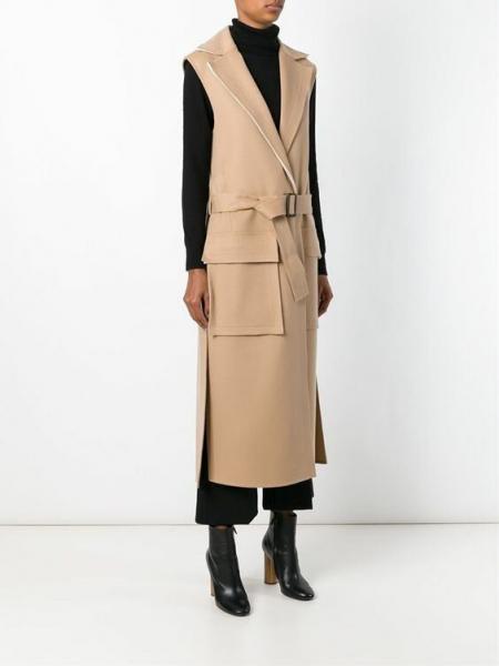 То, что делает нас стройнее: надеваем жилет-пальто