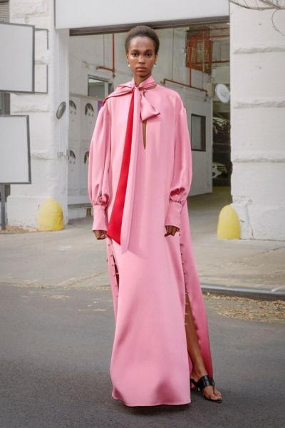 Весенние тренды 2020: просторное платье