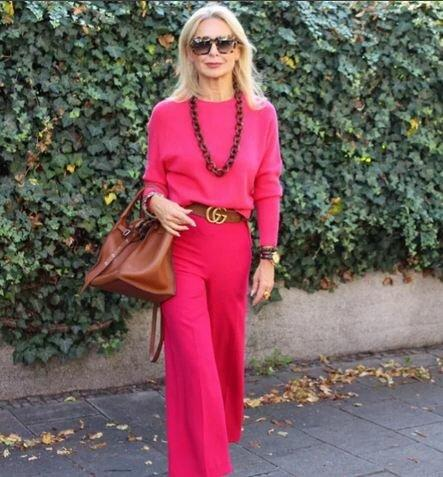4 самых стильных образа для женщин 50+ на весну 2020