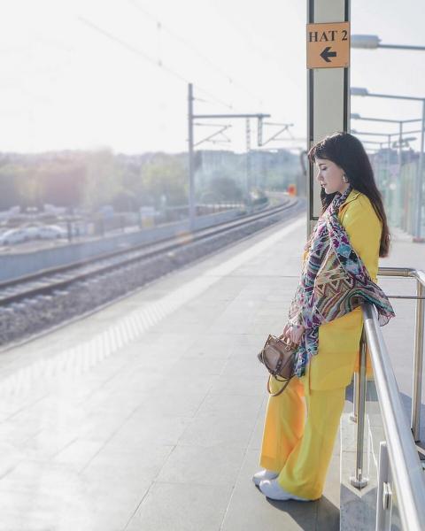 Аксессуары из секонд- хенда: четыре классных платка | Показываю на себе