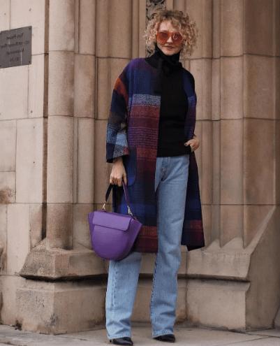 Как носить джинсы после 50 и не выглядеть дешево?
