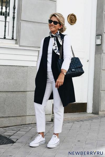 Как носить джинсы после 50 лет, чтобы быть на высоте
