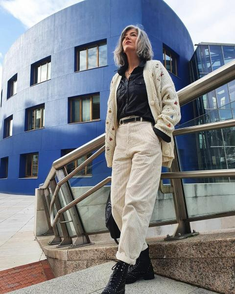 Омолаживаемся стильно: как носить современные вещи женщинам 50+