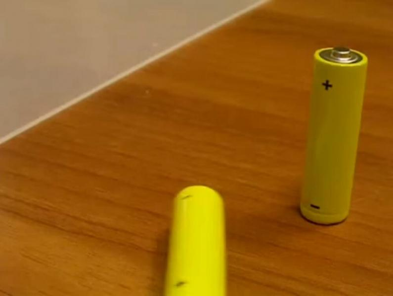 Самый простой способ определить заряд пальчиковых батареек