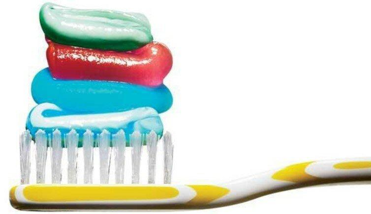 Вопрос стоматологу: сколько зубной пасты выдавливать на щетку?