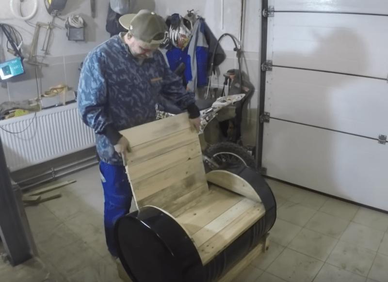 Что можно сделать из 200 литровой бочки?