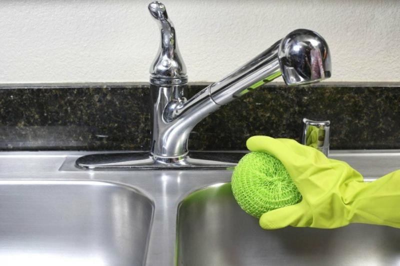 Как и чем очистить раковину? Секреты и тонкости.
