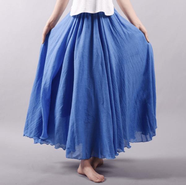 Какие юбки больше всего подходят женщинам после 60 лет?