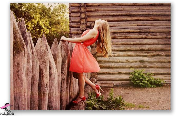 Кому к лицу оранжевое платье