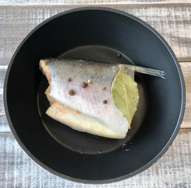 Салат с вареной горбушей