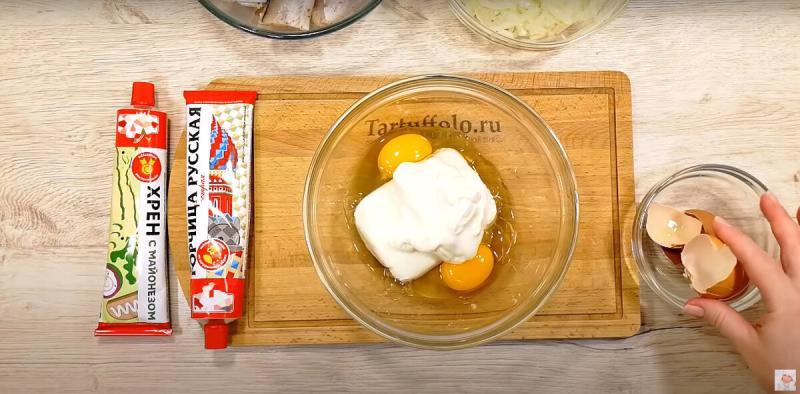 Блюдо, которое можно даже вечером! Минтай под соусом в духовке.