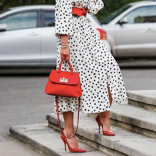 Яркая изюминка! Как носить цветную обувь