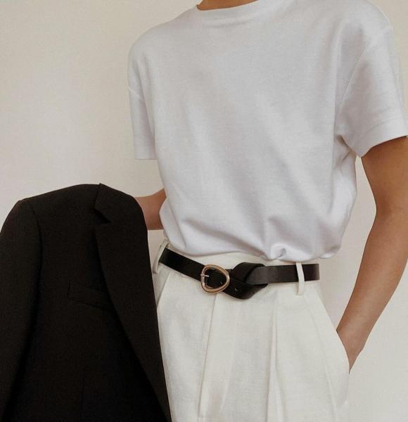 Какую футболку нужно иметь в базовом гардеробе