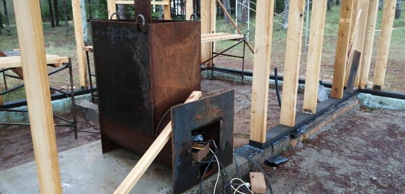 Подглядел, как строят недорогую каркасную баню