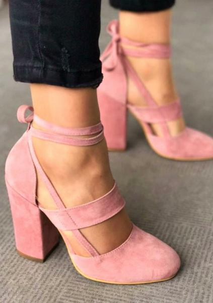 Практичность и удобство: модная обувь для весны 2020