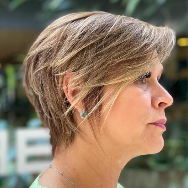 Короткие стрижки для лета, которые украсят женщин 50+
