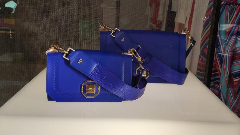 Итальянские витрины в августе: сумки и аксессуары