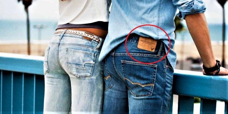 А вы знали, почему у всех джинсов есть странная этикетка пришитая к задней части пояса или кармана?