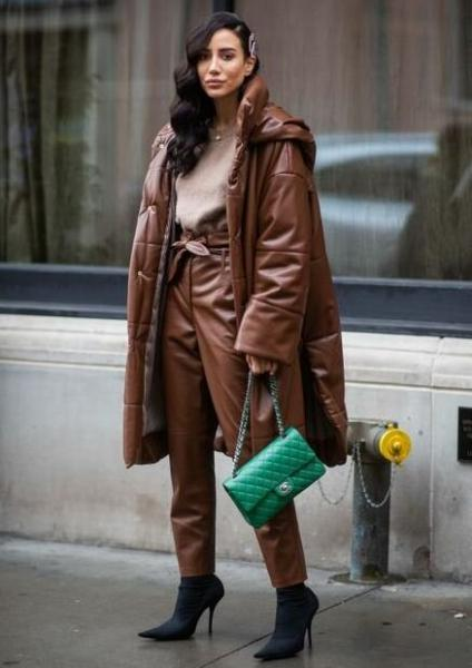 Какие пуховики будут носить стильные модницы этой зимой