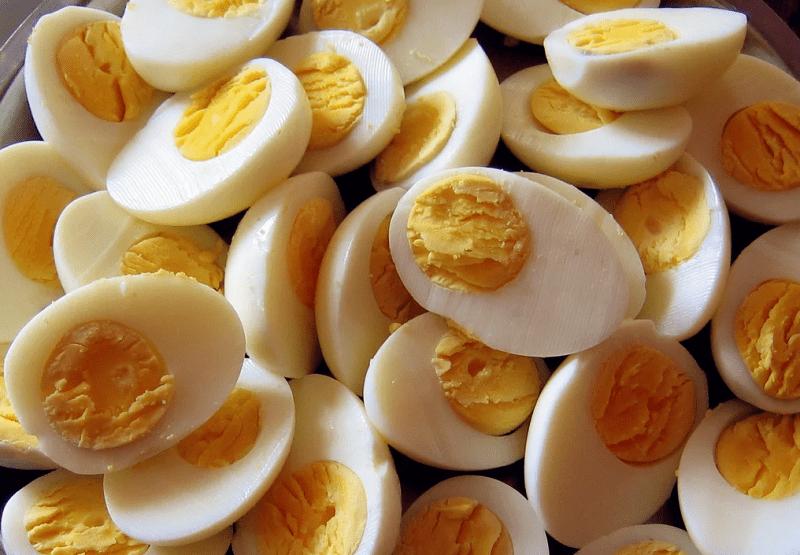 Сколько яиц в день можно съедать без вреда для здоровья?