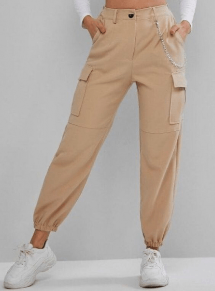 В моду входят брюки-джоггеры. 18 образов для женщин 50+