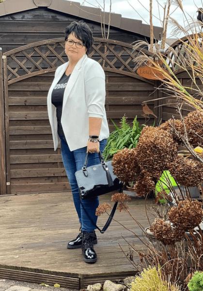 Уроки стилиста Эвелины Хромченко для полных женщин 50+