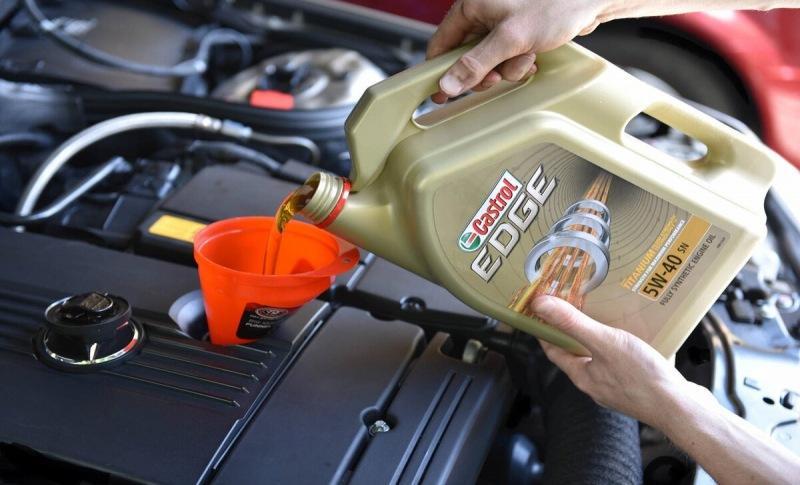 Почему менять масло в двигателе раз в 10 000 км большая ошибка.